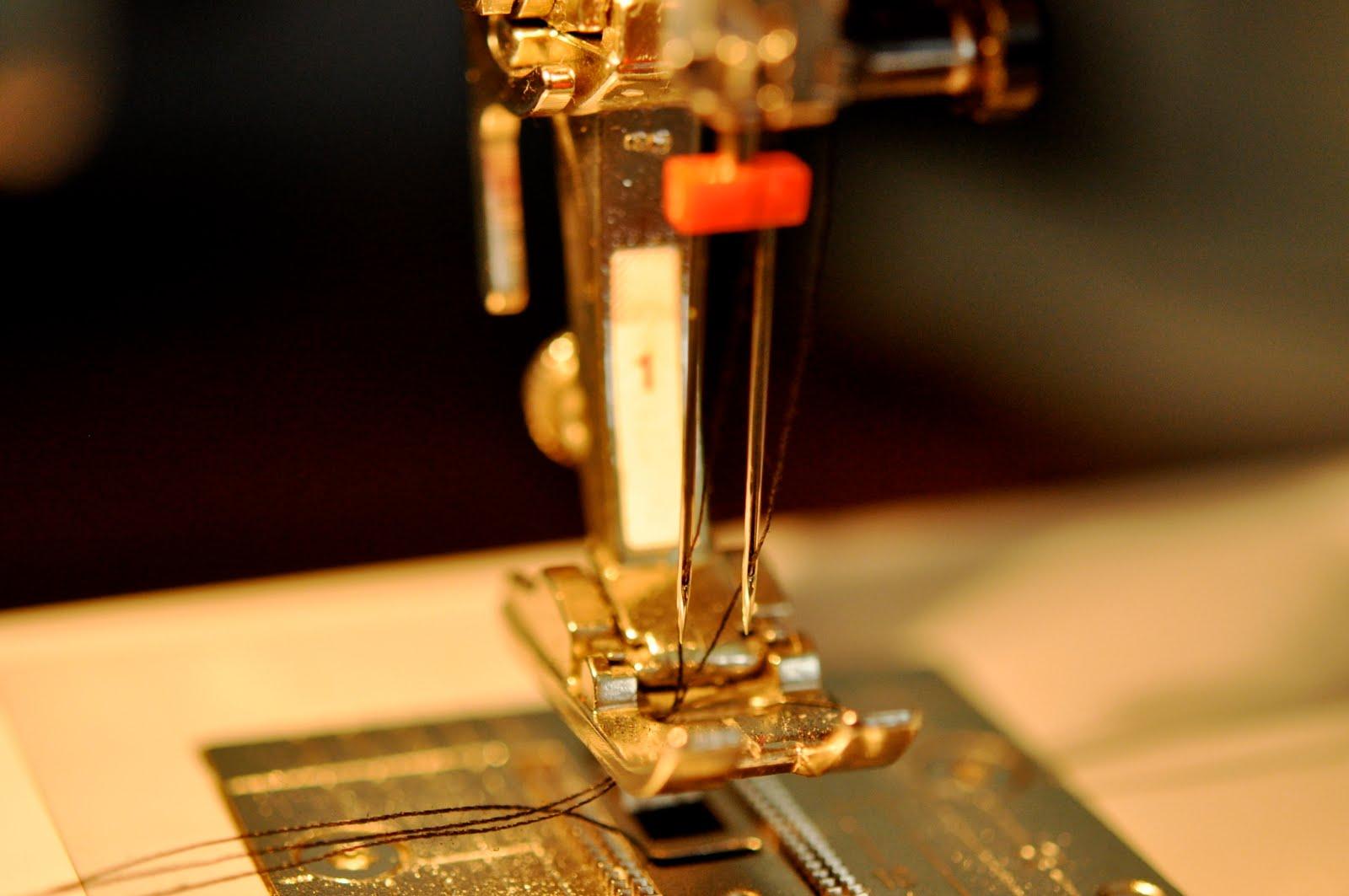 Что делать, когда швейная машинка обрывает верхнюю нитку