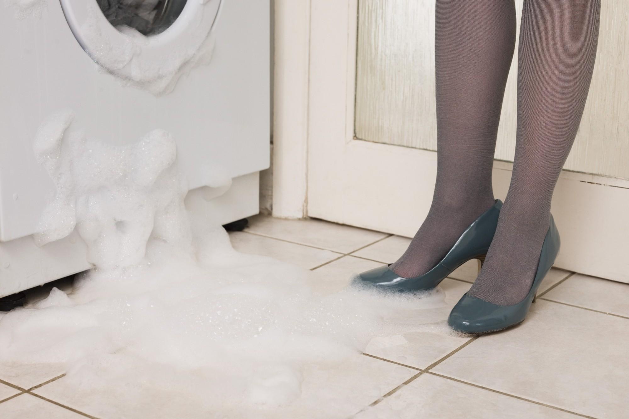 Что делать, если стиральная машинка потекла? Паникерам посвящается