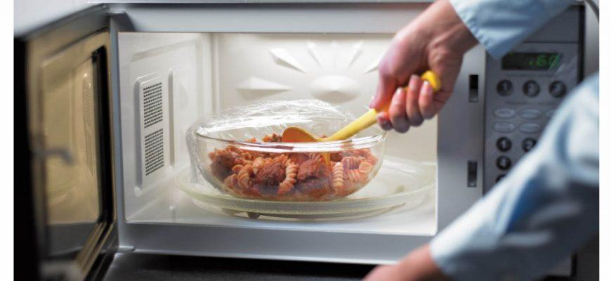Какая посуда подходит для использования в микроволновой печи