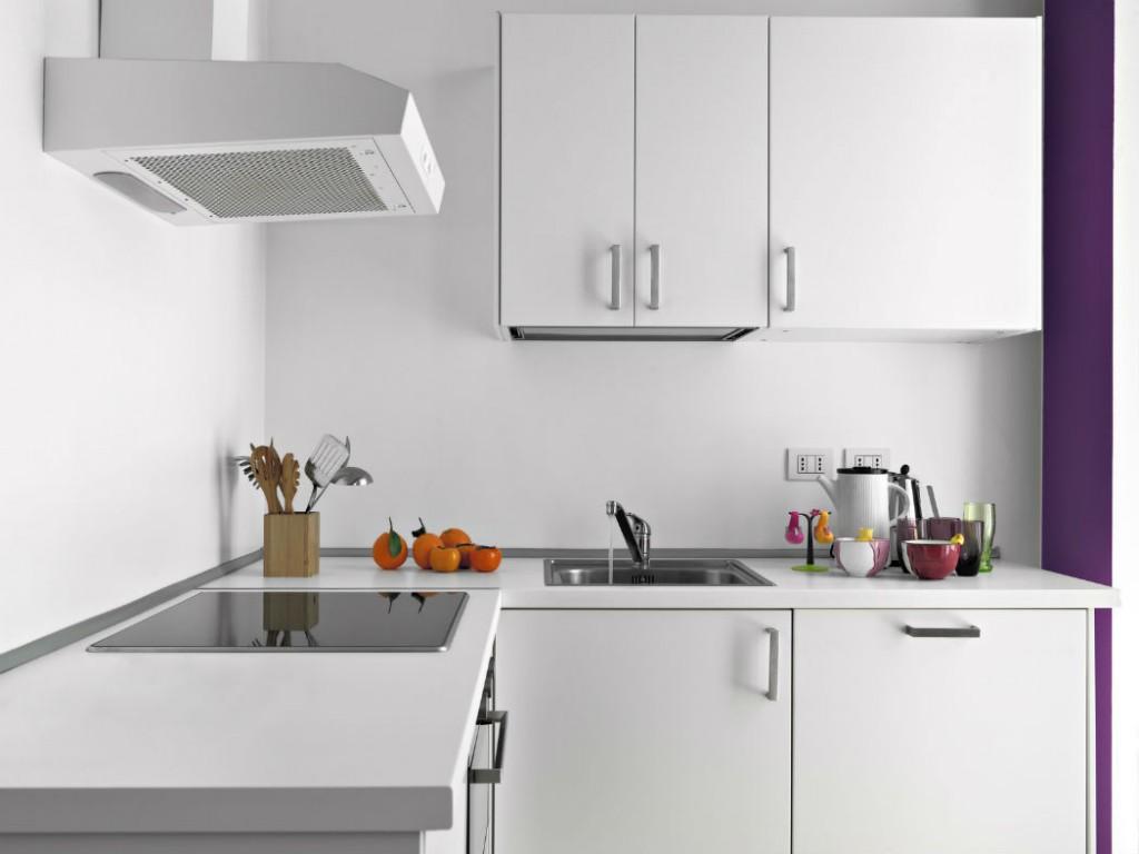 Как самостоятельно установить кухонную вытяжку