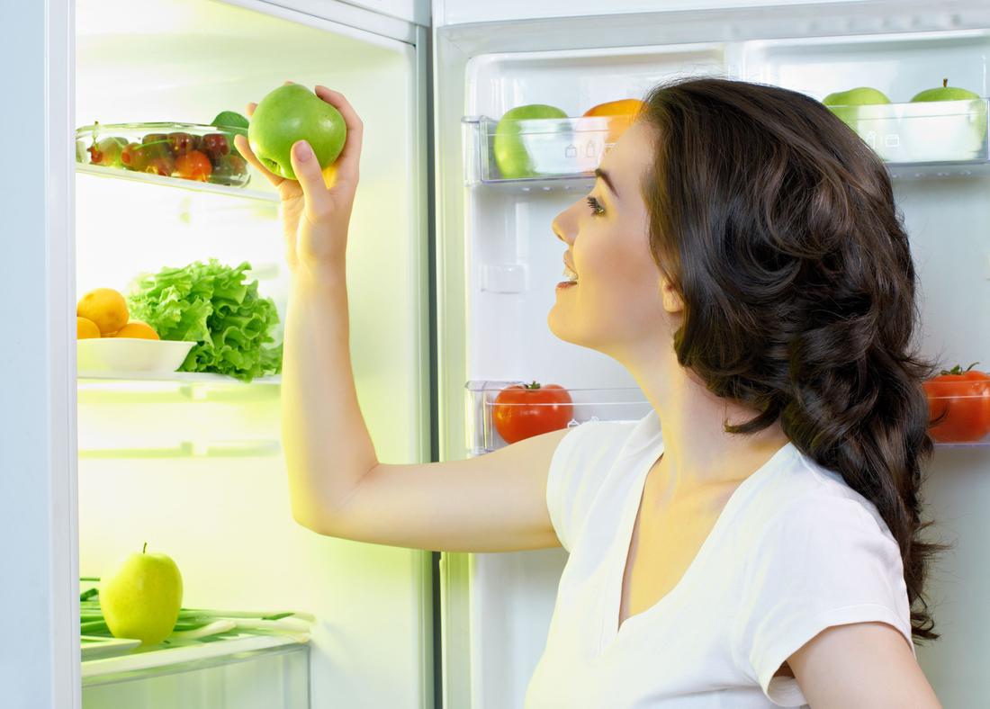 Почему течет холодильник и как это исправить