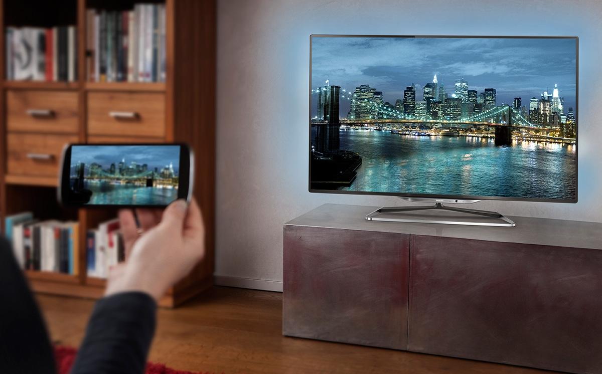 Несколько способов подключить смартфон к телевизору
