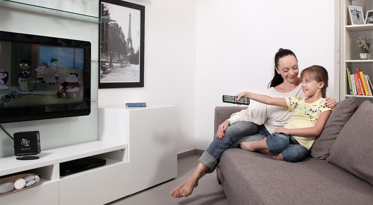 Есть ли вред от долгого просмотра телевизора: мнение специалистов