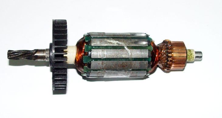 Устройство электродвигателя перфоратора
