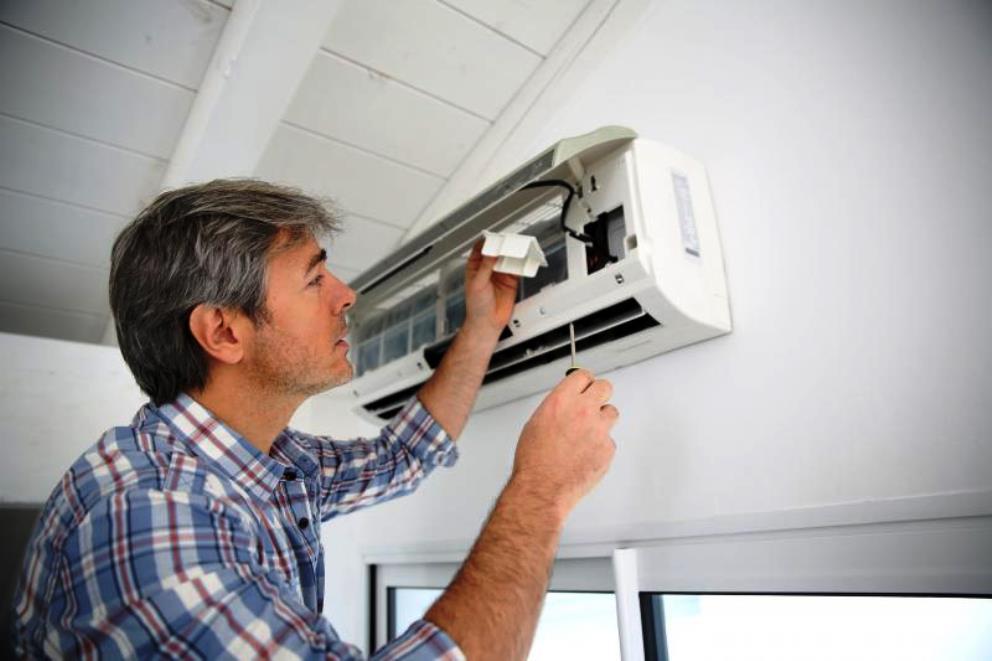 Демонтаж кондиционера (сплит-системы) своими руками: руководство к действию для домашнего мастера