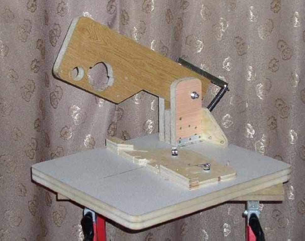 Циркулярный стол из ручной циркулярной пилы своими руками чертежи 171