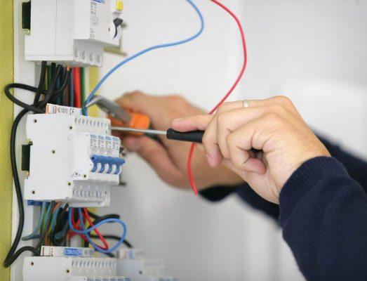 Как сделать детектор скрытой проводки своими руками