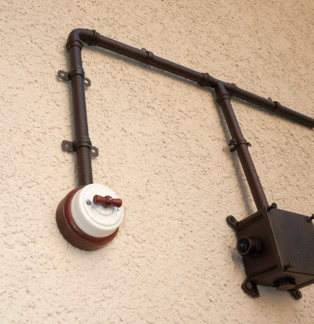 Инженерные трубы для ретро-проводки
