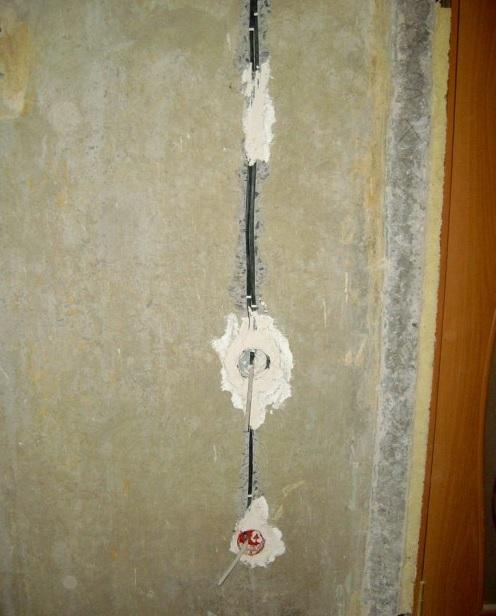 Крепление проводки и подрозетников