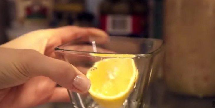 Лимон в баночке