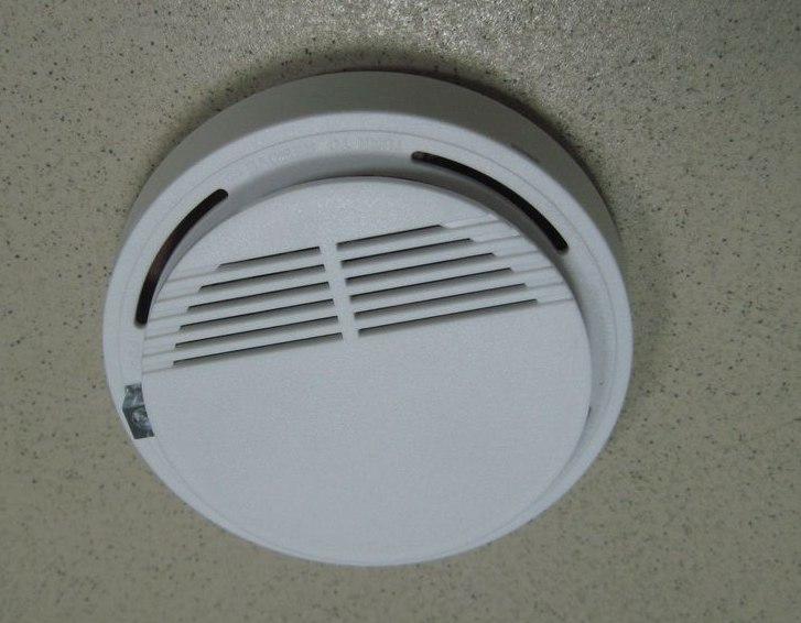 Беспроводной датчик улавливания дыма