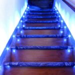 Неоновая подсветка лестницы