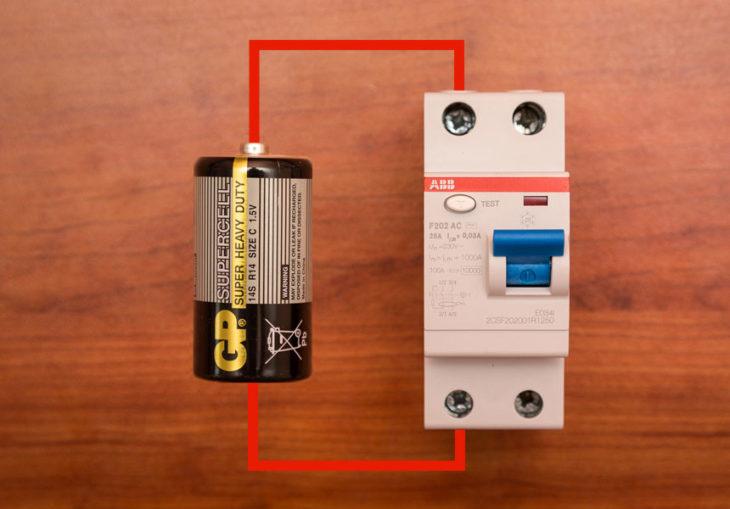 Проверка УЗО батарейкой