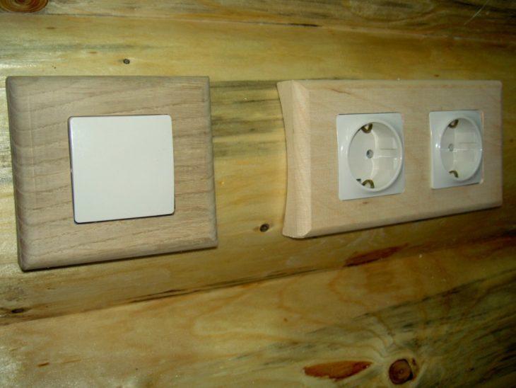 Скрытая установка выключателя и розеток в деревянном доме