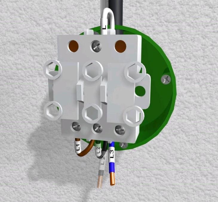 Фиксация трёхклавишного выключателя