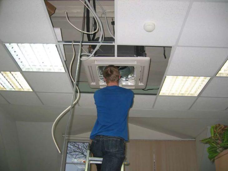 Установка канального кондиционера в офисе