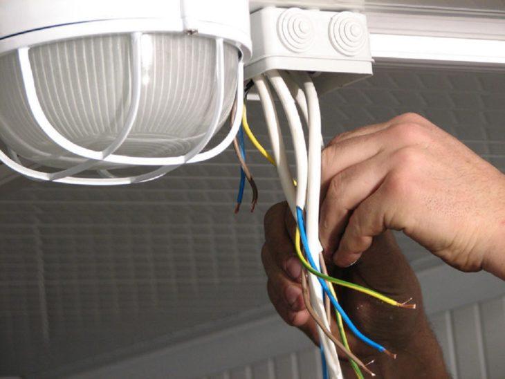 Выбор проводки для декоративного освещения