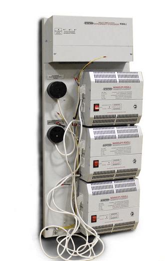 Три стабилизатора напряжения для трёхфазной сети