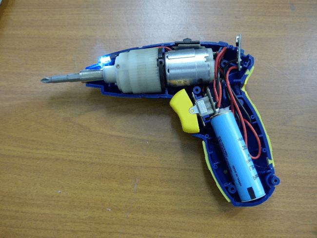 Установка литиевого аккумулятора