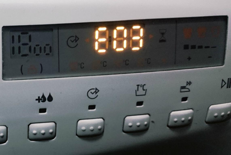 Расшифровка и устранение неисправностей по ошибке Е03 на стиральной машине Канди