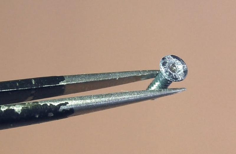 Как откручивать шурупы с сорванной крестовиной — «слизанными» шлицами