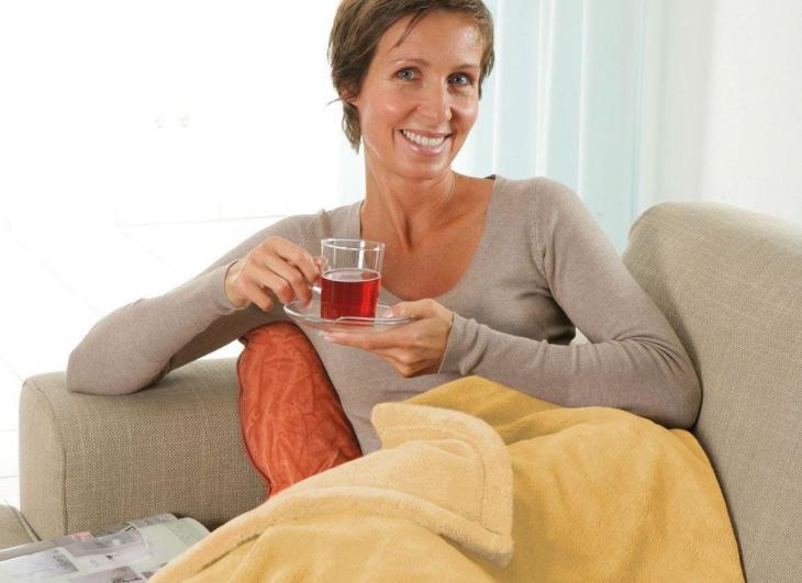 Женщина с чаем