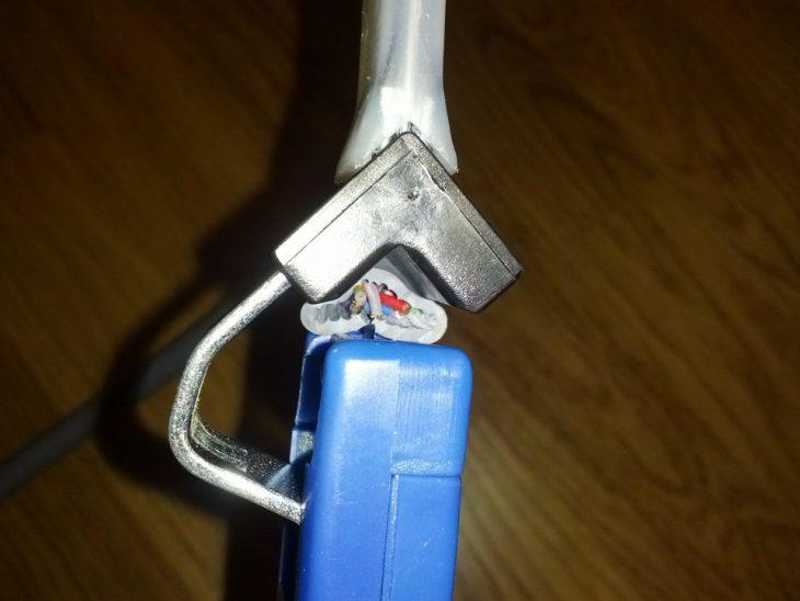 Стриппер для кабеля с витой парой