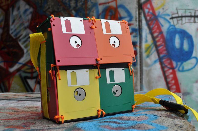 Что можно сделать из дискет флоппи: более 12 интересных идей для творчества