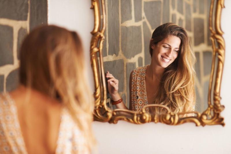 Вещи, которые нельзя делать перед зеркалом
