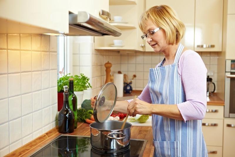 6 легковоспламеняющихся продуктов, которые могут стать причиной пожара на кухне