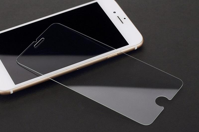 5 причин прекратить клеить на свой смартфон защитные стекла