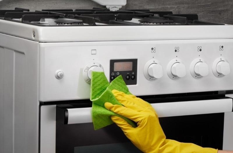 Как убрать с ручек плиты жир, если снять их невозможно – 4 доступных средства