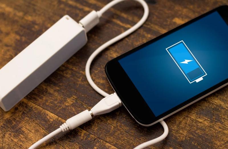 4 причины, почему телефон стал заряжаться медленно
